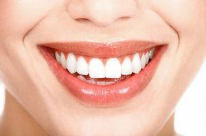 Брекеты, прозрачные капы, реставрация зубов, способы осветлить цвет эмали зубов