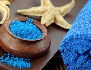 Чем полезна морская соль для ванн?