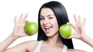 Домашний тоник для лица с фруктами