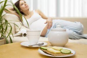 Как избавиться от запоров при беременности?