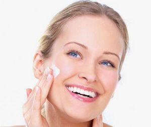 Когда начинать применять крем от первых морщин?