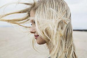Любое воздействие на волосы влияет на ход жизни
