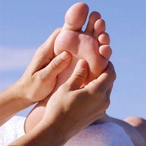Массаж ног: иногда это лучшее, что женщина может сделать для мужчины