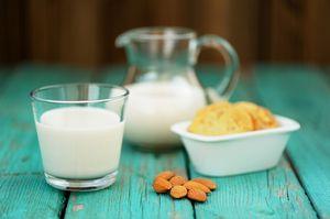 Молоко в глазах вегетарианцев