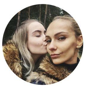 Найди 5 отличий: белорусские мамы, которые выглядят ровесницами дочерей