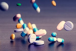 Стоит ли покупать лекарства онлайн?